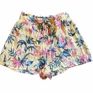 H&M floral printed yellow flowy shorts size 2 NWT